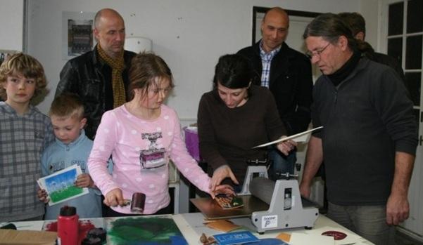bergabe-druckpresse-kunsthaus-2011